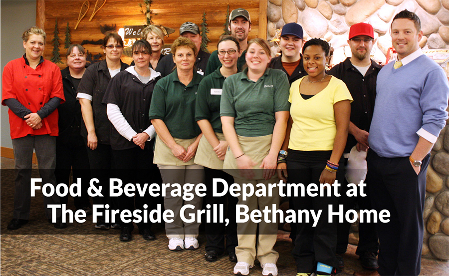 SeniorLiving_FiresideGrillStaff