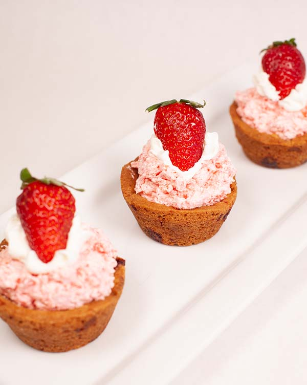 strawberry-shortcake-mousse-cups