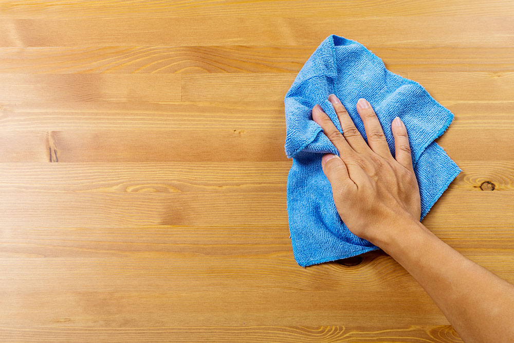 Cleaning & Sanitizing a Table